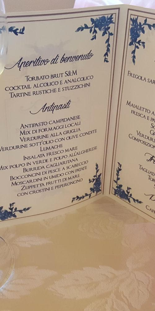 Realizzazione grafica e impaginazione di un menu A5 - da distribuire nei vari tavoli - per un matrimonio.